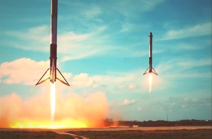 Contratto SpaceX Falcon 9 i razzi pesanti si preparano al prossimo j0YBRyPU0 1 1